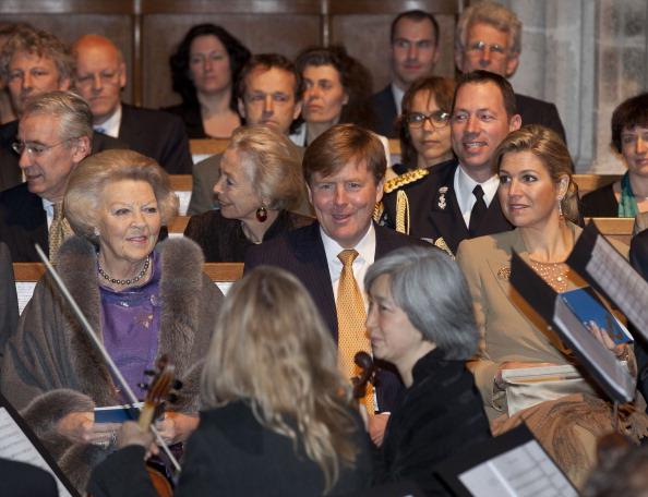 Utrecht「Queen Beatrix, Prince Willem Alexander And Princess Maxima Of The Netherlands Attend 300 Year Utrecht Peace Celebrations」:写真・画像(9)[壁紙.com]