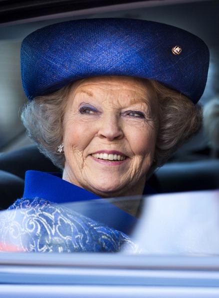 Blue Hat「Queen Beatrix Of The Netherlands Opens Huygens Exhibition」:写真・画像(6)[壁紙.com]