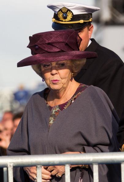 Dutch Royalty「Queen Beatrix Of The Netherlands Christens Pilot Ship 'Polaris'」:写真・画像(15)[壁紙.com]