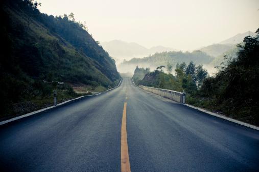 Continuity「Sunrise during Morning Mist - Asphalt road」:スマホ壁紙(13)
