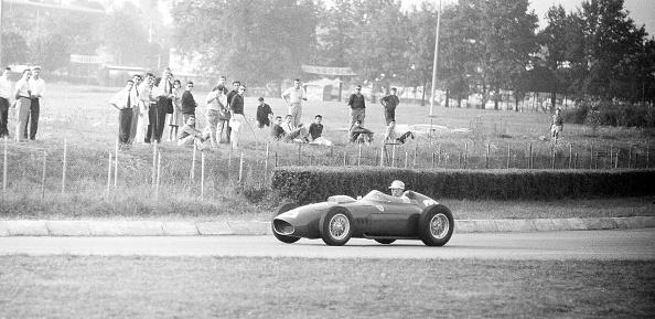 Sports Track「Ferrari At Monza GP」:写真・画像(15)[壁紙.com]