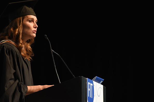 Public Speaker「Brooke Shields, Randy Fenoli And Daniel Libeskind Honored At FIT Commencement」:写真・画像(5)[壁紙.com]