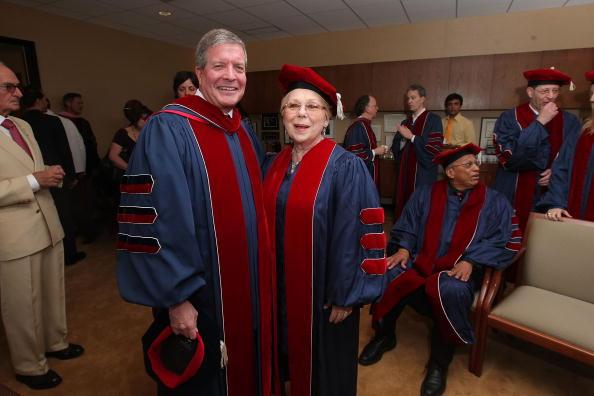 Renata Scotto「Juilliard Holds 104th Commencement Ceremony」:写真・画像(12)[壁紙.com]