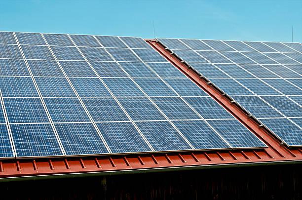 Germany, Constance, Solar panel on roof of a barn:スマホ壁紙(壁紙.com)
