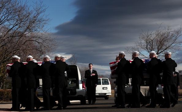 Win McNamee「Remains Of Sailors From Civil War -Era Ship Buried At Arlington Cemetery」:写真・画像(5)[壁紙.com]