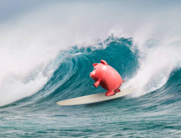 Piggy Bank Surfing:スマホ壁紙(壁紙.com)