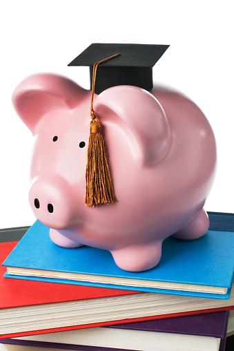Graduation「Piggy Bank Savings for Graduation, Student Loans, University Education Finances」:スマホ壁紙(2)