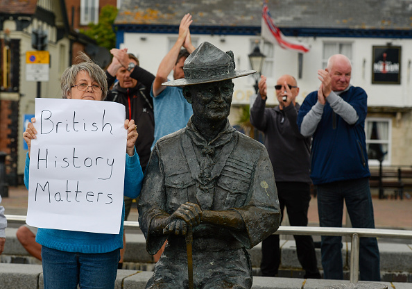 Finnbarr Webster「Baden-Powell Statue To Be Removed From Poole Quay」:写真・画像(13)[壁紙.com]
