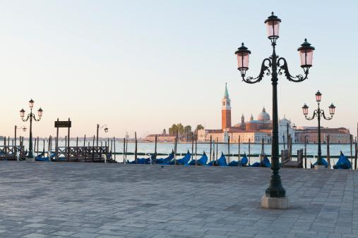Wooden Post「San Giorgio Maggiore, Venice」:スマホ壁紙(6)