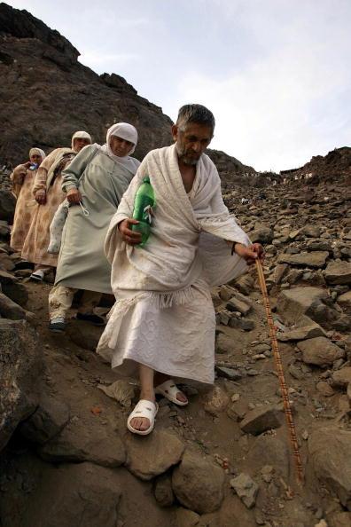 Pilgrimage「Muslim Pilgrims Visit Heera Cave In Mecca」:写真・画像(15)[壁紙.com]