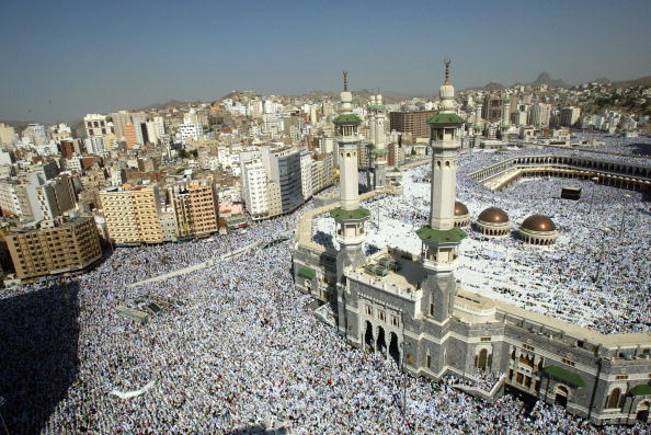 Religion「Muslim Pilgrims Attend Friday Prayer In Mecca」:写真・画像(12)[壁紙.com]