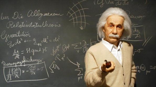 Mathematical Symbol「100th Anniversary Of Einstein's Theory of Relativity」:写真・画像(1)[壁紙.com]