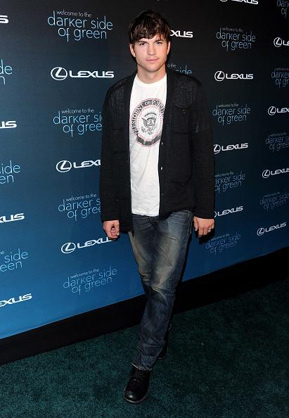 "Cardigan Sweater「Andy Samberg Moderates ""The Darker Side Of Green"" Debate Series」:写真・画像(18)[壁紙.com]"