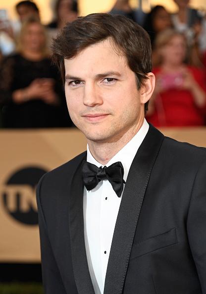 Ashton Kutcher「The 23rd Annual Screen Actors Guild Awards - Arrivals」:写真・画像(1)[壁紙.com]