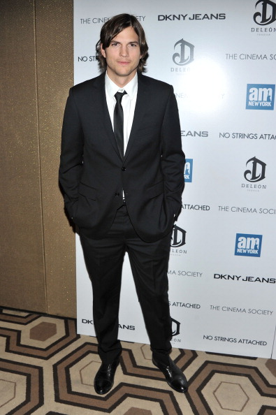 """Stephen Lovekin「The Cinema Society With DKNY Jeans & DeLeon Tequila Host A Screening Of """"No Strings Attached"""" - Inside Arrivals」:写真・画像(10)[壁紙.com]"""