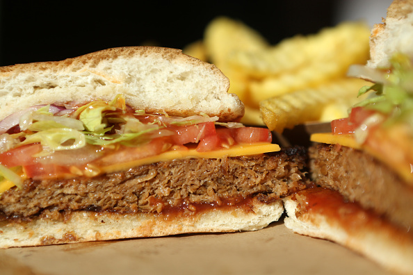 Veggie Burger「Meatless Burgers Gain In Popularity」:写真・画像(3)[壁紙.com]