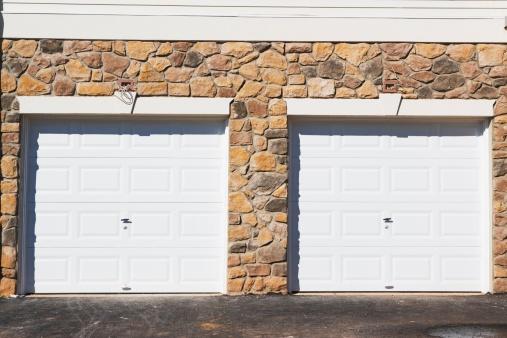 Two Objects「Two garage doors」:スマホ壁紙(4)