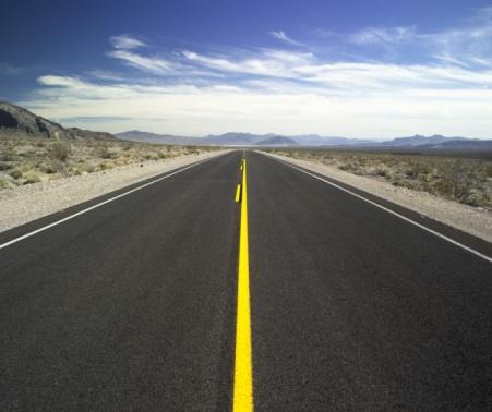 アメリカ合衆国「A highway with no cars」:スマホ壁紙(7)