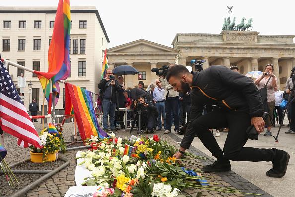 Hate Crime「Berlin Commemorates Orlando Terror Victims」:写真・画像(15)[壁紙.com]