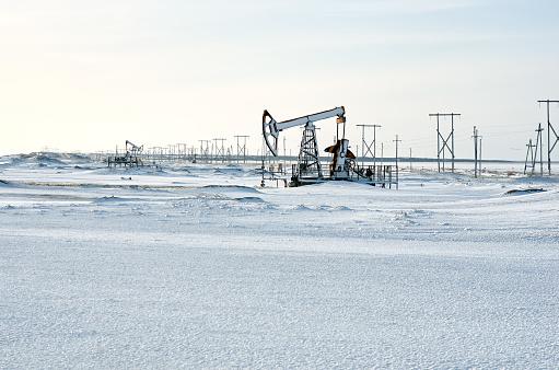 Mining - Natural Resources「Oil rig, snow winter」:スマホ壁紙(6)