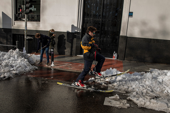 Madrid「Madrid Digs Out From Exceptional Snowfall」:写真・画像(1)[壁紙.com]