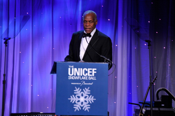 雪の結晶「The Ninth Annual UNICEF Snowflake Ball - Inside」:写真・画像(8)[壁紙.com]