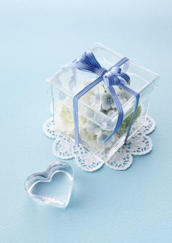 ホワイトデー「Gift box」:スマホ壁紙(5)