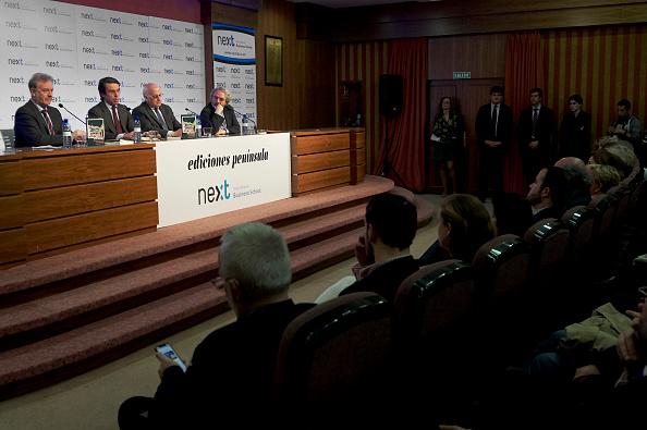 Jose Maria Aznar「'No Hay Ala Oeste En La Moncloa' Book Presentation」:写真・画像(3)[壁紙.com]