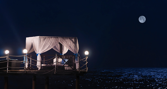 Full Moon「Five stars luxury hotel's pavilion by the sea at night」:スマホ壁紙(9)
