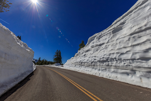 Crater Lake National Park「Road Trip to Crater Lake at Winter」:スマホ壁紙(12)
