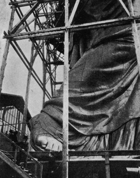 Construction Industry「Statue Of Liberty」:写真・画像(1)[壁紙.com]