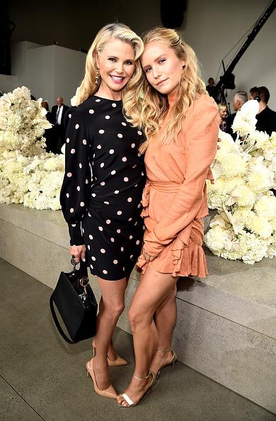 ニューヨークファッションウィーク「Zimmermann - Front Row - September 2018 - New York Fashion Week: The Shows」:写真・画像(10)[壁紙.com]