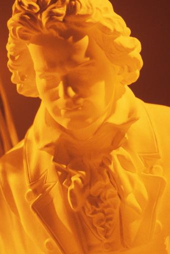 Musical Conductor「Beethoven sculpture」:スマホ壁紙(1)