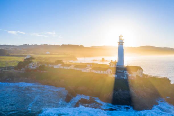 Pigeon Point Lighthouse:スマホ壁紙(壁紙.com)
