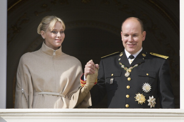 Architectural Feature「Monaco National Day 2011 - Balcony Parade」:写真・画像(2)[壁紙.com]