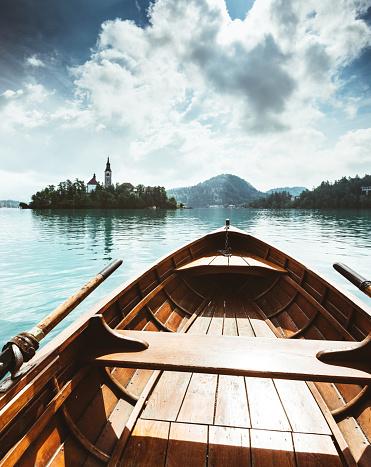 Slovenia「sailing on the bled lake in slovenia」:スマホ壁紙(12)