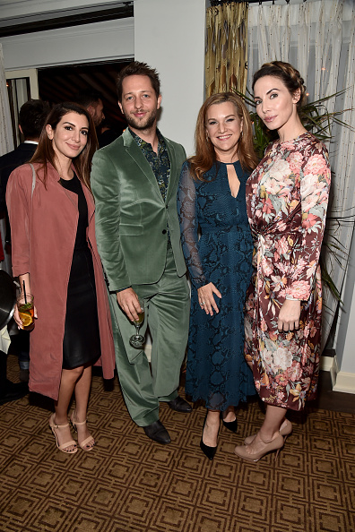 Nasim Pedrad「Burberry and Vanity Fair Celebrate Felicity Jones and the 2016 AMD British Academy Britannia Awards Presented by Jaguar Land Rover and American Airlines」:写真・画像(6)[壁紙.com]