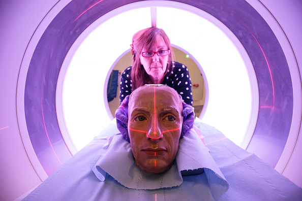 X-ray Image「Westminster Abbey Has 18th Century Wax Heads Scanned At St Thomas' Hospital」:写真・画像(11)[壁紙.com]