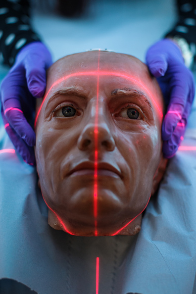 X-ray Image「Westminster Abbey Has 18th Century Wax Heads Scanned At St Thomas' Hospital」:写真・画像(4)[壁紙.com]