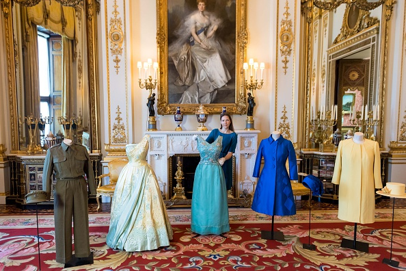 Closet「'Fashioning A Reign: 90 years Of Style From The Queen's Wardrobe' - Press Preview」:写真・画像(4)[壁紙.com]