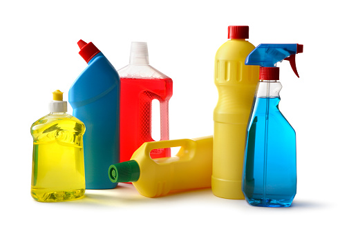 Spray Bottle「Cleaning: Cleaning Products Isolated on White Background」:スマホ壁紙(15)
