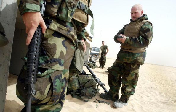 Sand Trap「U.S. Marines Prepare For Action」:写真・画像(15)[壁紙.com]