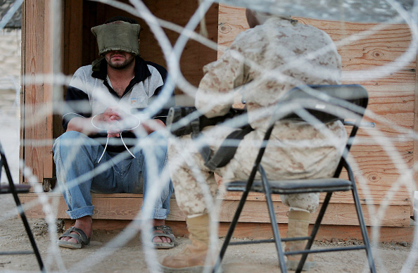 Interrogation「Suspect Detained At U.S. Base For Planting IED In Iraq」:写真・画像(2)[壁紙.com]