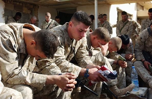 Anticipation「U.S Marines anticipating the final offensive on Fallujah」:写真・画像(18)[壁紙.com]
