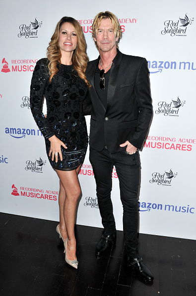 Form Fitted「MusiCares Concert For Recovery presented by Amazon Music, Honoring Macklemore - Arrivals」:写真・画像(3)[壁紙.com]