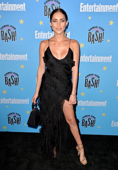 Maxi Dress「Entertainment Weekly Comic-Con Celebration - Arrivals」:写真・画像(4)[壁紙.com]