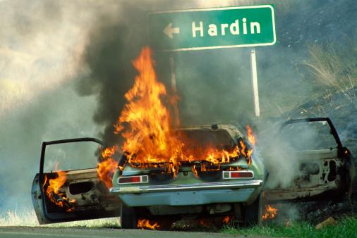 Inferno「Burning car on a roadside」:スマホ壁紙(13)