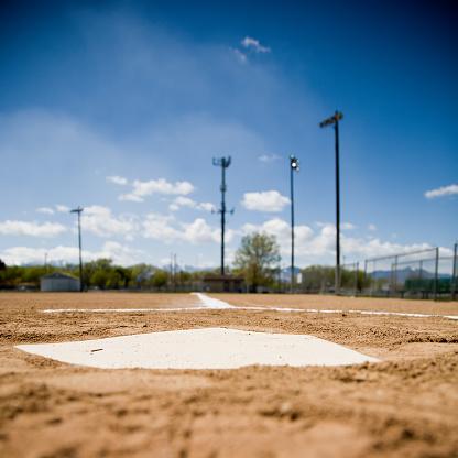 野球「ホームプレート」:スマホ壁紙(12)