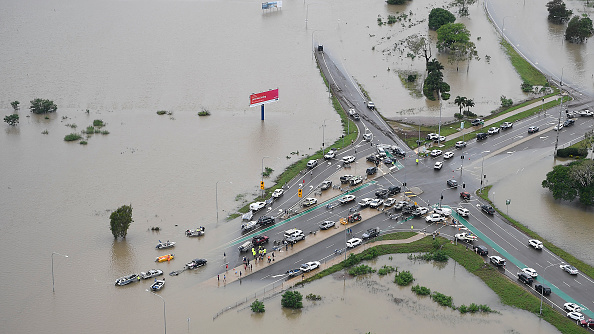 Flood「Townsville Remains Flooded As Torrential Rain Continues」:写真・画像(3)[壁紙.com]