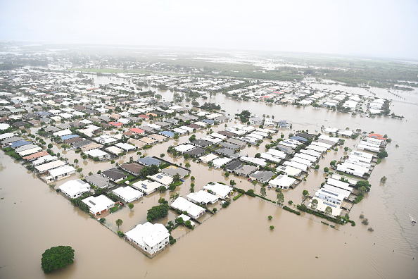 Flood「Townsville Remains Flooded As Torrential Rain Continues」:写真・画像(12)[壁紙.com]